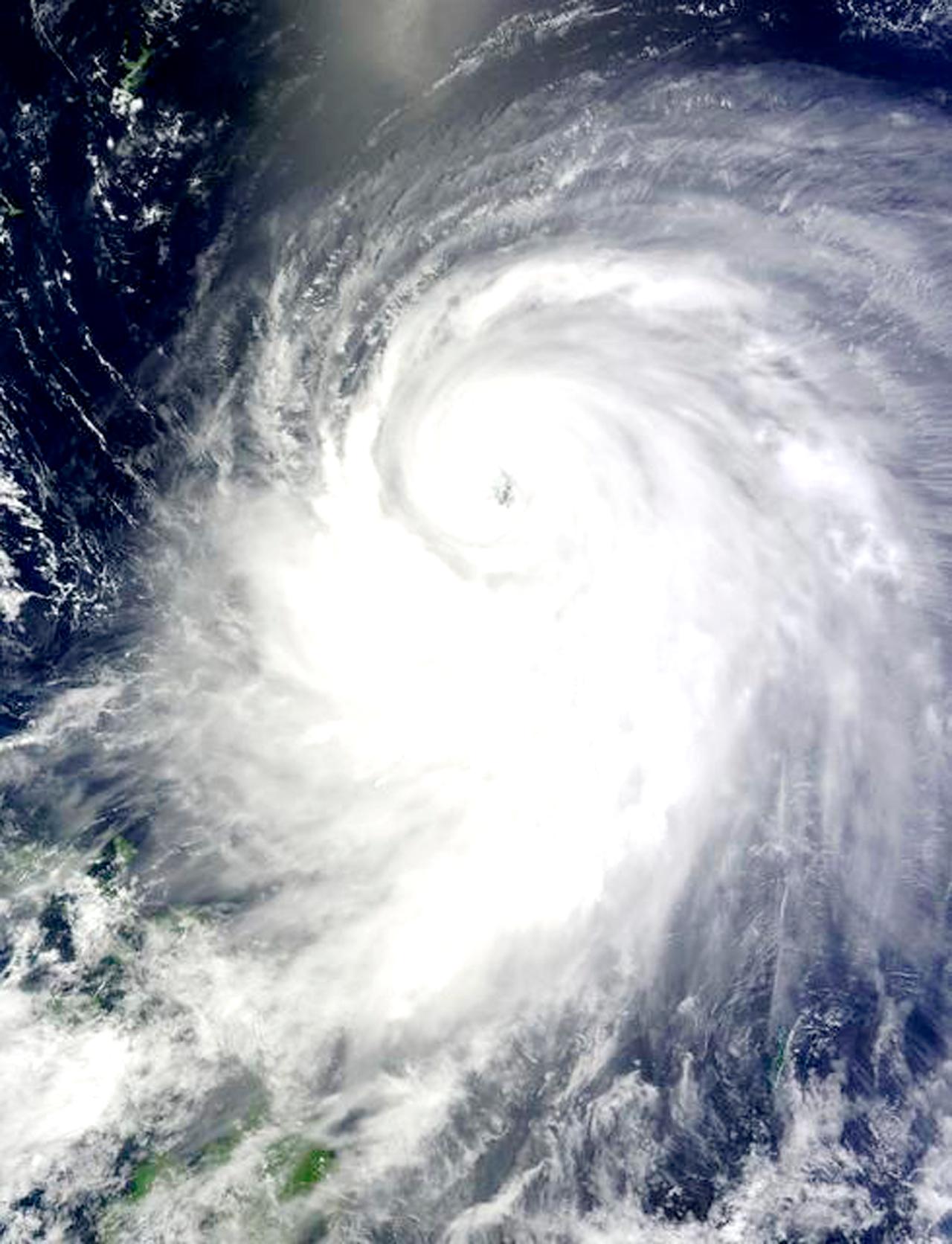 台風NASAイメージ