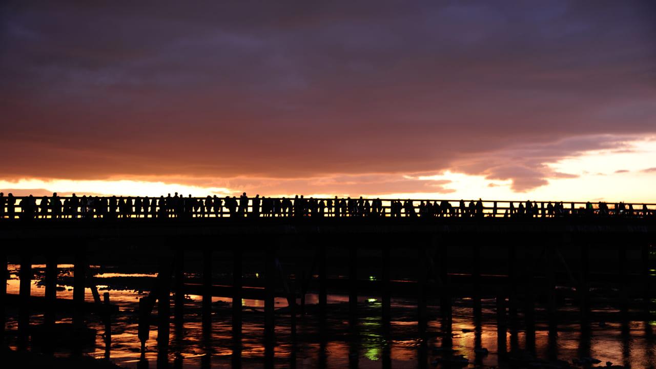 京都 渡月橋の初日の出