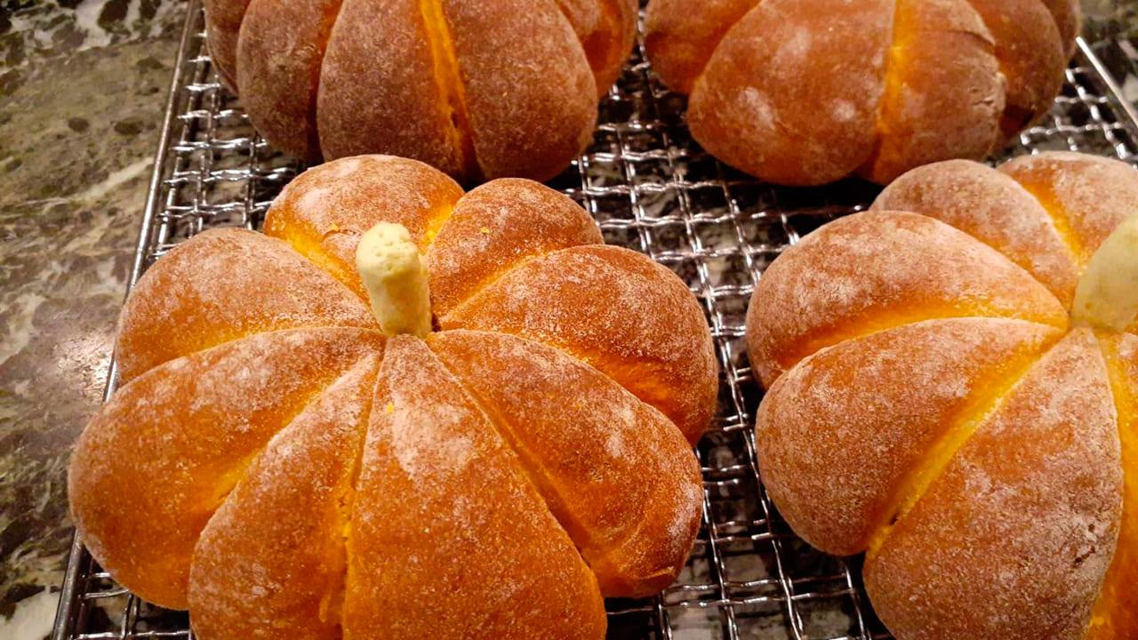 マリンナ自家製焼き立てパン